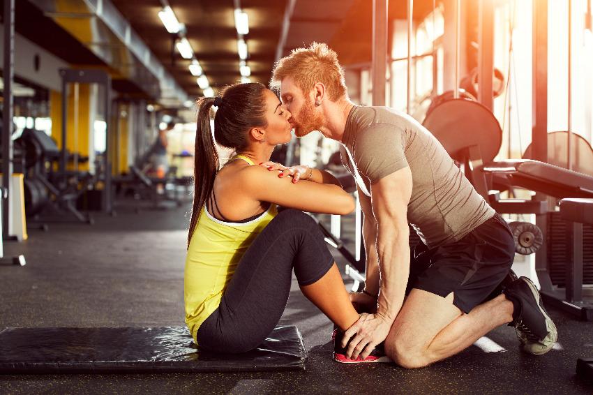 Seks i sport - jak ćwiczenia wpływają na życie intymne?